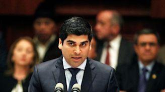 Ecuador congress names 35-year-old broadcaster as new vice president