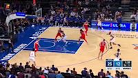 Derrick Rose with an and one vs the Washington Wizards