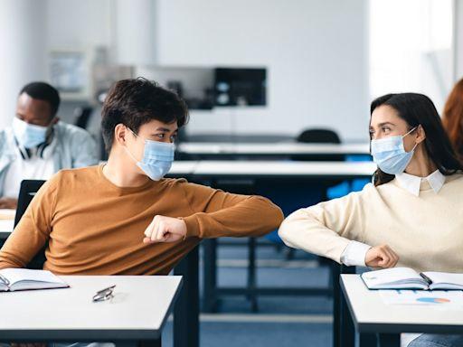 不打就不能去學校!美國大學生為什麼拒打新冠疫苗?|天下雜誌