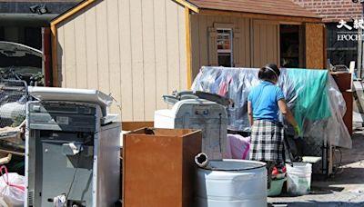 人維修Ida颶風破壞的房子若遭抬價 可投訴
