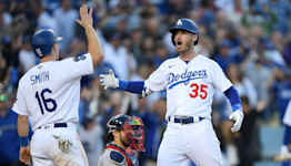 Cody Bellinger's three-run homer brings Dodgers back from brink in 6-5 NLCS Game 3 win vs. Atlanta