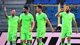 Roma punish Verona to keep pressure on Milan teams