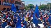 Inicia movilización para acompañar a Manuel Rosales hasta el CNE