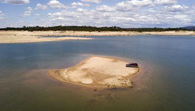 California drought reveals missing 1965 plane crash site