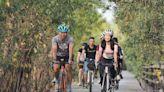自行車旅遊年碰疫情攪局 單車小D領騎大鵬灣體驗東港迎王