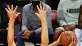 Former Arkansas guard Moses Moody makes NBA debut