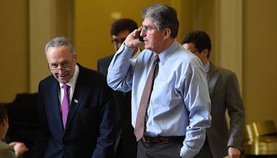 Manchin, Schumer huddle with Biden in Delaware to discuss spending bill