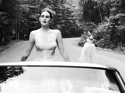 Demi Moore and Daughters Rumer and Scout Willis Stun in Elegant Black-and-White Photo Shoot