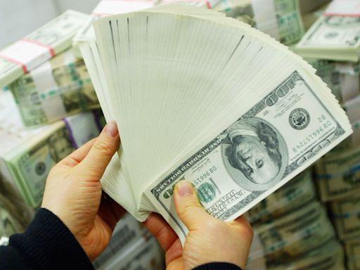 中國資金外逃加速 企業與個人通過地下錢莊買賣外匯