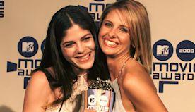 Sarah Michelle Gellar & Selma Blair Attempt to Recreate Their 'Cruel Intentions' Kiss: Watch!