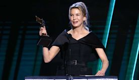 "Renée Zellweger Dedicates Spirit Award to Judy Garland: ""Cheers to You From the Beach"""