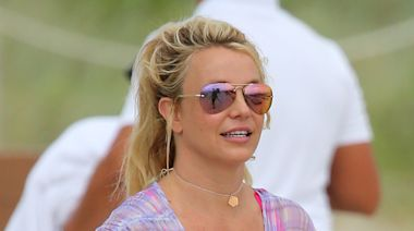 Britney Spears Grooves in a Twist-Front Bikini & Towering Peep-Toe Pumps