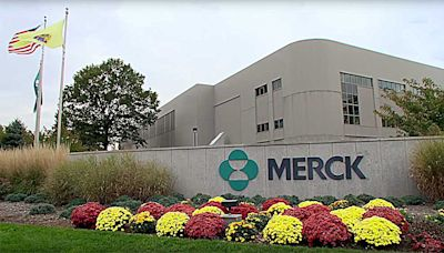 Is Merck Stock A Sell After Panel Suggests Revoking A Keytruda Approval?