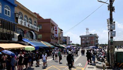 桃園竹圍漁港景點大排長龍 市議員促速改造直銷中心