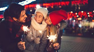 21 People Share Their Families' Heartwarming (and Completely Free) Holiday Traditions