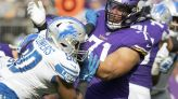 Darrisaw makes Vikings debut at left tackle, rotates with Hill