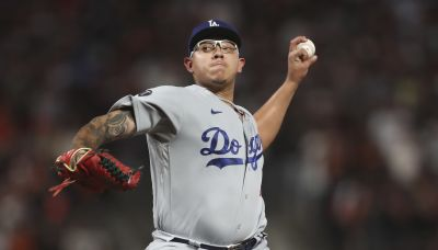LEADING OFF: Curious pitching strategy in playoffs all over