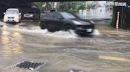 雨彈狂炸! 台南新化區大水灌進民宅