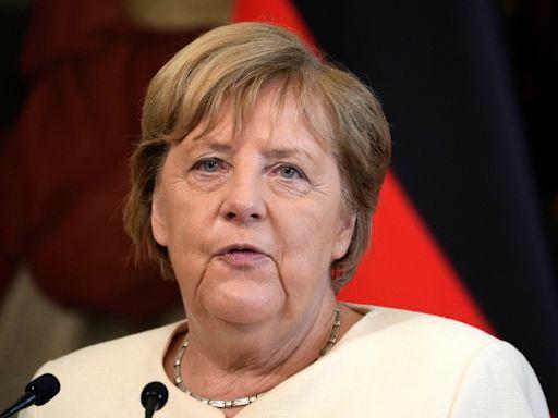 正式卸下16年重擔 德國總理梅克爾獲頒「畢業證書」--上報