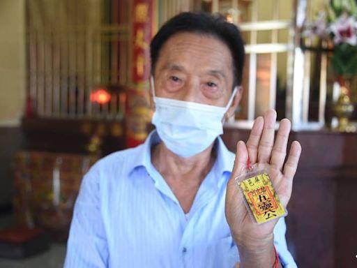屏東宮廟掃除瘟疫神明香火鼎盛 索平安符信眾多一倍