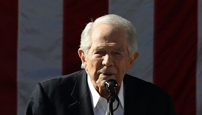 Televangelist Pat Robertson lashes out at Kimberly Potter and police, says there's 'no comparison' between a Taser and a gun