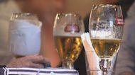 政府修例禁止所有食肆和酒吧賣酒 減少社區人群聚集