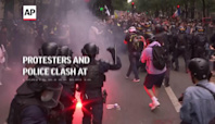 Protesters and police clash at virus pass demo