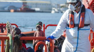 Spain Searching For 143 Missing Migrants Near Canary Islands