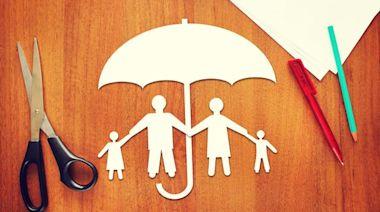 小資族該怎麼買保險,CP值最高?先了解這4大投保迷思 - Smart自學網|財經好讀 - 保險 - 保單這樣挑(迷思,保險,保費,小花平台,保障)