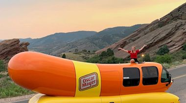 What it's like to be a Hotdogger, Oscar Mayer's cast of college grads driving the Wienermobile across the US
