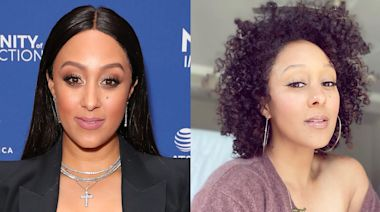 18 photos of celebrities embracing their natural hair, from gray strands to dark roots