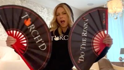 Kelly Ripa Shows Off Her Dance Moves to Help Raise Money For Frontline Nurses