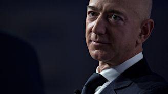 Bezos Selfie Controversy Triggers Alarm For Billionaires Worldwide