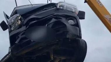 台東對撞車禍 貨車駕駛彈出車外