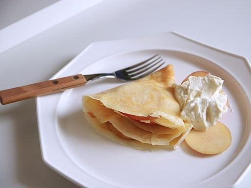零失敗料理!輕鬆做「軟式可麗餅」 滑順奶油搭鮮甜水蜜桃絕配