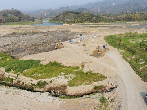 【百年大旱2】「極度乾燥」水庫在白河!蓄水率掛零近半年 蓮農哀:再不下雨會死了了! | 蘋果新聞網 | 蘋果日報
