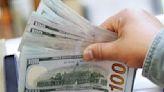 Jornada financiera: creció la demanda de dólares y cayeron las acciones y los bonos, mientras escala la crisis política