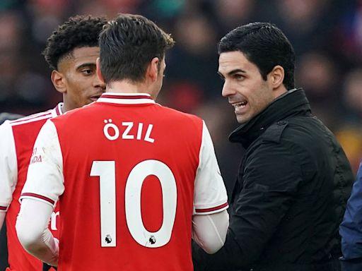 Mesut Ozil slams Arsenal in scathing statement