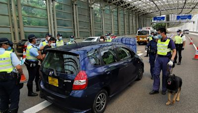 【違例駕駛】馬鞍山路警截行車證過期私家車 兩人涉販毒被捕 - 香港經濟日報 - TOPick - 新聞 - 社會