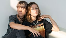 Larkin Poe Bring Swampy 'Mississippi' to the Laundromat: Exclusive