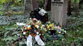 Inexplicable: enterraron a un neonazi en la tumba de un judío