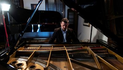 Italian piano maker sees craft threatened with extinction