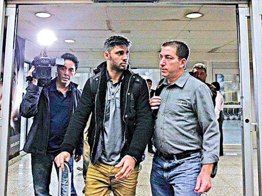 《衛報》記者伴侶藏密件被攔截