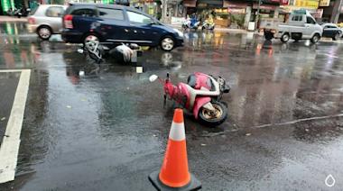 苓雅分局福德二路派出所員警主動撐傘之暖心舉動十分貼心 | 蕃新聞