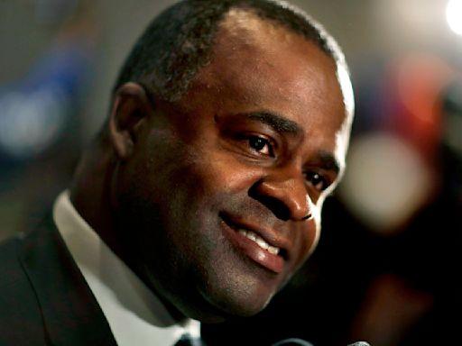 Kasim Reed files to campaign for comeback as Atlanta mayor