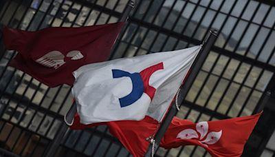 恒指升377點 申洲漲5.5%獲瑞信唱好 國泰載客量㽹弱跌1.1%