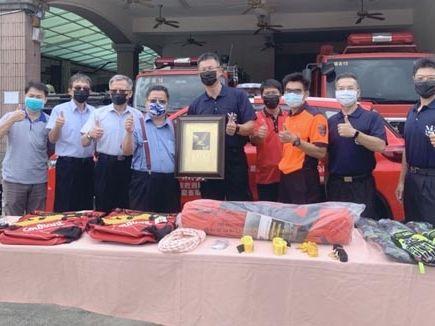 台昌樹脂捐四輪傳動車 提升南市消山域救災效率