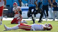 Chiefs' Patrick Mahomes takes brutal hit, struggles in loss to Titans