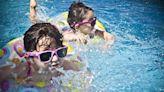 海南小學畢業生八月底前學會遊泳 被斥一刀切