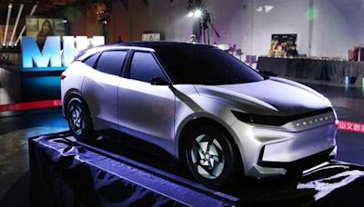 鴻海與PTT合資公司!攻泰電動車市場 拚年產15萬輛車